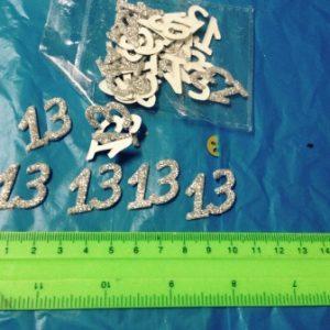 קונפטי 13 נוצץ | 24 יחידות כסף | קונפטי לאירועים