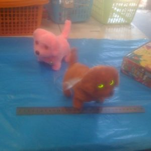 כלב אור נובח | צעצועים בסיטונאות