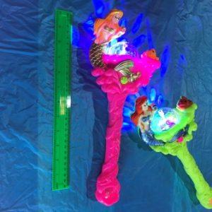 לפיד אורות בת הים מסתובב עם מוזיקה | צעצועים בסיטונאות